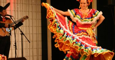 investigacion, musica popular latinoamerica y juicios de valor