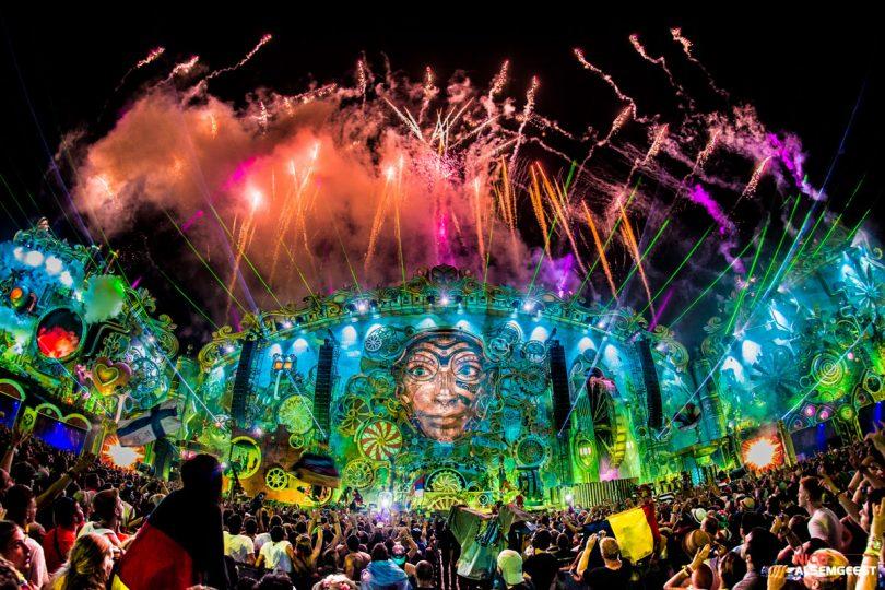 Investigación. Nuevos medios, nuevos mundos de festivales. Repensando eventos culturales, youtube y Tomorrowland Music Festival