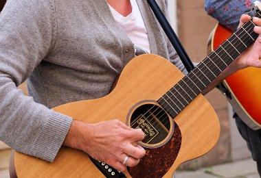 Síndrome del Túnel Cubital en Guitarristas