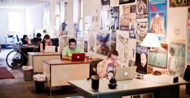 oferta trabajo industria musical social media pitchfork