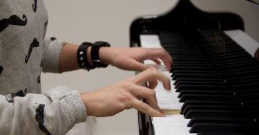 La biomecánica al servicio del músico (II): ¿Cómo minimizar los riesgos de los movimientos repetitivos?
