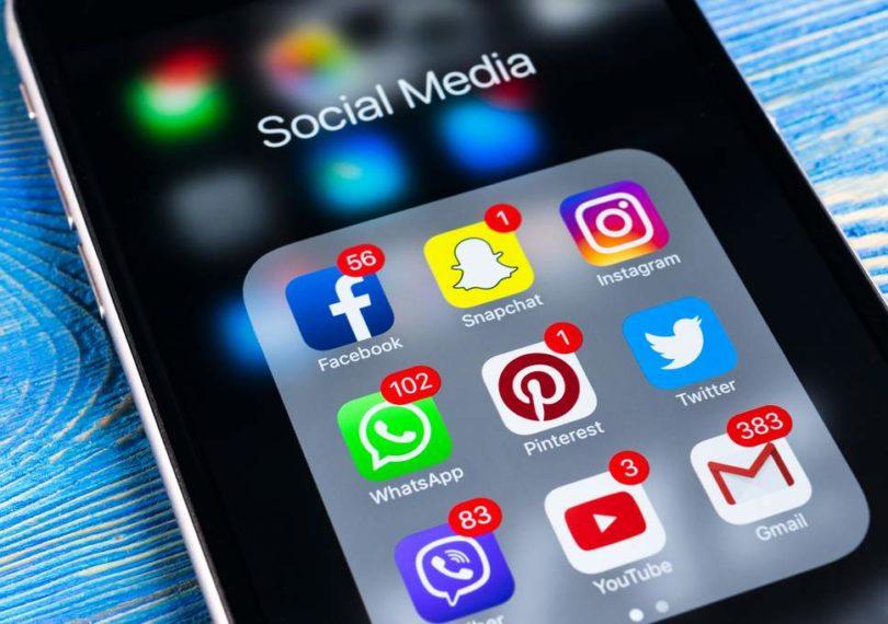 cae uso redes sociales
