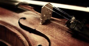 cuantas cuerdas tiene un violin