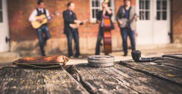creacion de generos musicales en comunidades