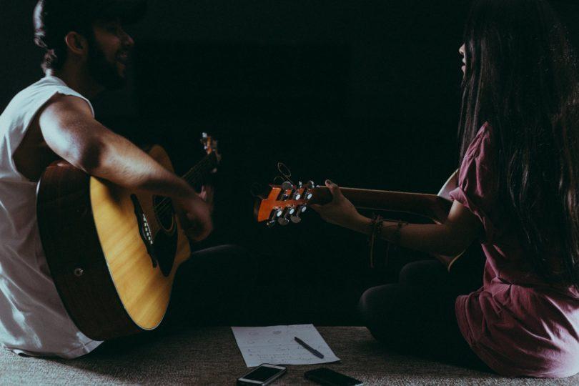 diferencia entre compositor y topliner