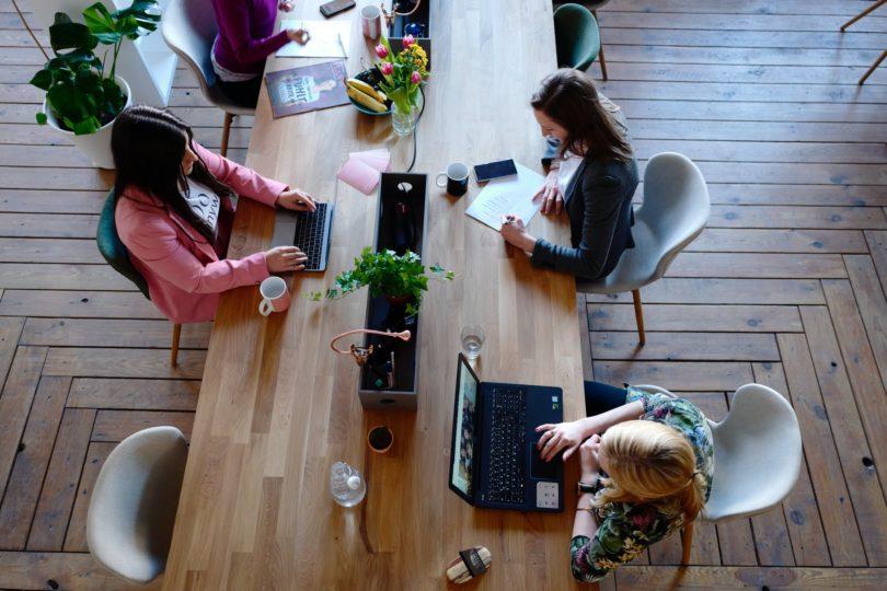 playlists mejora productividad oficina